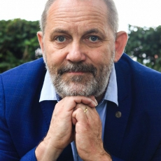 Together as One – Survival Guide with Patrick Mercie
